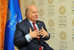 HERNANDO DE SOTO: YOU ARE A VERY SMALL COUNTRY, SO YOU NEED TO HAVE YOUR OWN STRATEGY